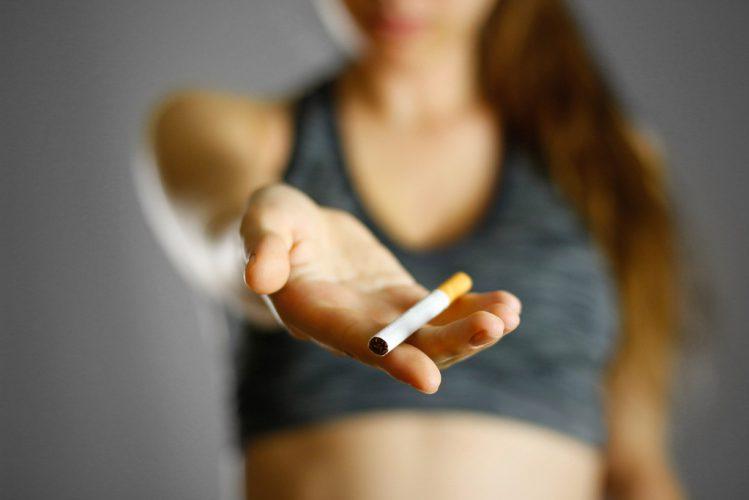 Palenie-papierosow-vs-Treningi-i-fit-sylwetka